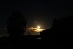 Moonlight_2018_09_22_0004 (FarmerJohnn) Tags: moon pilvet pilvi cloud clouds lähestäysikuu almostfullmoon kuu kuutamo moonlight reflection heijastus night yö syksy autumn september syyskuu canonef1635lii28usm canoneos5dmarkii canon suomi finland valkola anttospohja juhanianttonen