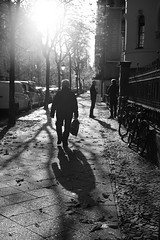 Berlin Light (michael.mu) Tags: leica m240 50mm leicaaposummicronm50mmf2 berlin monochrome blackandwhite bw germany backlight backlit streetphotography