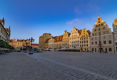 Morning in the old town square (Vagelis Pikoulas) Tags: wroclaw poland europe travel square old tokina town architecture building buildings city cityscape landscape day europw canon 6d may spring 2018 colors colours