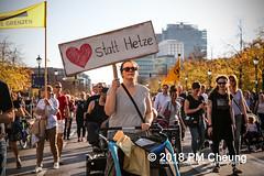 Demonstration: #unteilbar - Für eine offene und freie Gesellschaft – Solidarität statt Ausgrenzung! – 13.10.2018 – Berlin - IMG_8895 (PM Cheung) Tags: grosdemonstration seebrücke rassismus demo demonstration unteilbar berlin kundgebung rechtspopulismus polizei afd neonazis antifa dagegenhaltenblock berlinmitte rechtsruck unteilbarfüreineoffeneundfreiegesellschaft–solidaritätstattausgrenzung 13102018 pmcheung solidaritätsdemonstration amnestyinternational initiativeseebrücke seebrückeschafftsicherehäfen horstseehofer frontex chemnitz prochemnitz nazis alternativefürdeutschland csu mittelmeer missionlifeline refugees flüchtlingspolitik 2018 ypg kurden pomengcheung wwwpmcheungcom antirassistischedemonstration siegessäule protest protestaktion antifaschisten alexanderplatz facebookcompmcheungphotography flüchtlingsproteste flüchtlinge mengcheungpo lifeline refugeeswelcome b1310 antirademo asylgesetzverschärfung seenotrettung flüchtlingshilfe flüchtlingslager libyen koalitionsstreit grenzschutzagenturfrontex aufnahmelager euausengrenzen seawatch rettungsschiff flüchtlingsinitiativen seenotrettern seenothilfe deutschlandlagerland sosméditerranée
