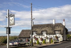Cross Keys (Kev Gregory (General)) Tags: the cross keys grade ii listed public house village totternhoe 17th century thatched pub interior is largely unaltered since 1930 cottage real ale beer food old dated kev gregory canon 6d mark rural bedfordshire