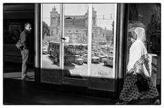 R0001636-2 (manuelcesari) Tags: ricoh gr ii bianco nero black bw street roma camera contrasto shot snap