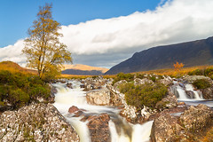 Etive Mor Waterfall (ESM Photographics) Tags: 2018 etivemorwaterfall glencoe schotland rivercoupall autumn buachailleetivemor clouds fall glenn grass highlands hill hills landscape leelandscapepolarisation leend06hardgarde mountains river rocks scotland scottishhighlands sky stream sunlight thelee100mmfiltersystem trees water waterfall