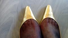 DSC_0481 (grandmacaon) Tags: highheels hautstalons toescleavage talonsaiguille lowcut lowcutshoes sexyheels stilettos