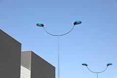 Calle Leonardo da Vinci (just.Luc) Tags: streetlight straatlantaarn lantern réverbères minimalism minimalisme spain spanje espagne españa spanien andalusië andalucía andalusien andalousie andalusia sevilla seville séville siviglia europa europe