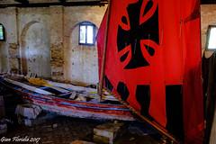 """Venezia, Lazzaretto nuovo: antiche barche nel """"Tezon Grande"""" (Gian Floridia) Tags: lazzarettonuovo museo tezongrande venezia venice antiche barche gondola navale rossa vela"""