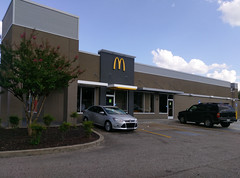 McDonald's Church Rd., completed exterior view (l_dawg2000) Tags: 2018remodel churchrd landerscenter posteyebrow remodel southaven mississippi unitedstates usa
