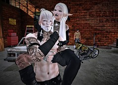 Garage.. (Paulus Woller) Tags: catwalona catwadaniel catwa photo picture couple people sl secondlife us car garage