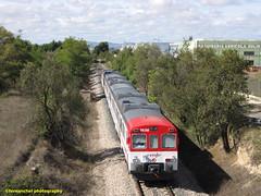 Tren de Cercanías de Renfe (línea C-3) a su paso por REQUENA (Valencia) (fernanchel) Tags: adif ciudades renfe requena spain c3 поезд bahnhöfe railway station estacion ferrocarril tren treno train rodalies cercanias