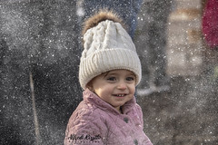 Brooklyn (alfredo.rossitto) Tags: t6i canon knittedhat toddler kid snow hat christmas winter