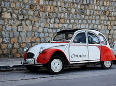 cars with soul.. (christinehag) Tags: car voiture old vieille αυτοκίνητο citroen dolly 2cv
