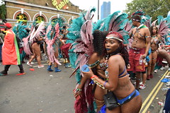 DSC_8452 Notting Hill Caribbean Carnival London Exotic Colourful Maroon Turquoise and Pink Costume with Ostrich Feather Headdress Girls Dancing Showgirl Performers Aug 27 2018 Stunning Ladies (photographer695) Tags: notting hill caribbean carnival london exotic colourful costume girls dancing showgirl performers aug 27 2018 stunning ladies maroon turquoise pink with ostrich feather headdress
