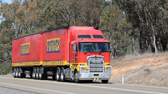 Lachlan Valley LINX (1/2) (Jungle Jack Movements (ferroequinologist)) Tags: nsw new south wales lachlan valley way hume highway patrick linx cargo group riverina estate wine kenworth cabover hp horsepower big rig haul haulage freight trucker drive transport carry delivery bulk lorry hgv wagon road nose semi trailer deliver interstate articulated vehicle load freighter ship move roll motor engine power teamster truck tractor prime mover diesel injected driver cab cabin loud rumble beast wheel exhaust double b grunt bowning k200