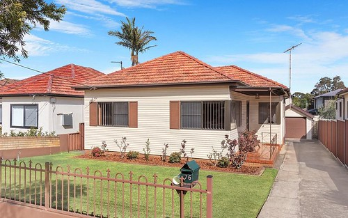 76 Glamis St, Kingsgrove NSW 2208