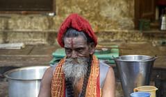 Varanasi5 (Juan Carlos Santamaría) Tags: india varanasi benares oriente orient retrato portrait ceremonia muerte ganges canon5dmarkiii canon 24105