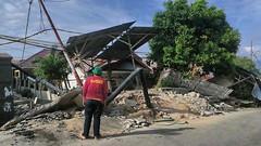 Nach Tsunami in Indonesien: ASB-Team sorgt für sauberes Wasser (nerdsfun) Tags: indonesien tsunami soziales hilfsorganisation katastrophe erdbeben wasserfilteranlagen