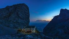 Riemannhaus (El.buitre) Tags: 2018 a6000 alpenüberquerung berchdesgaden berg landschaft lienz natur sony urlaub wandern mountain alps hiking austria österreich house hütte schutzhütte blue evening night