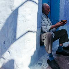 vitiligo (rick.onorato) Tags: morocco desert arab berber north africa blue city vitiligo man