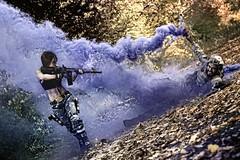 Lara Croft VS soldier (Fred Boni) Tags: laracroft sodier smoker fumigène soldat automne