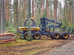 Harvester (PeepeT) Tags: ponsse harvester harvesteri metsätyökone mystinenmetsätyömies tampere haukiluoma kuormatraktori forwaders ponssewisent