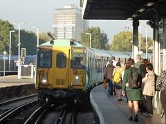 10 October 2018 Clapham Junction (togetherthroughlife) Tags: 2018 october claphamjunction train station railway southern 455843