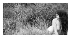 Stephanie (Knipsbildchenknipser) Tags: sw schwarzweiss monochrome blackandwhite blackwhite bw stephanie girl female portrait akt nude nackt natur nature outdoor heide mehlingerheide pfalz sommer summer