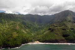 IMG_3586.jpg (whaler.of.the.moon) Tags: helicopter kauai napali