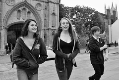 Folks on the Angel Hill  Bury St Edmu (Bury Gardener) Tags: bw blackandwhite snaps 2018 nikond7200 nikon burystedmunds suffolk street streetphotography streetcandids candid candids people peoplewatching folks england eastanglia uk britain angelhill