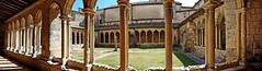 2018-09-24 (Nath Hb) Tags: cloître saintemilion couvent xvièmesiècle galeries charpente bois arcbrisé colonnesgéminées époqueromane cloîtredelacollégiale