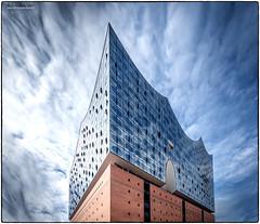 Elbphilharmonie points to the sky (jerry_lake) Tags: d750 elbphilharmonie germany hamburg nikon sept2018 concerthall colourefexpro4