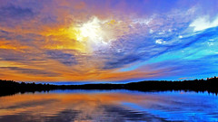 Head in the Clouds (Bob's Digital Eye) Tags: bobsdigitaleye canon canonefs1855mmf3556isll clouds cloudscape glow h2o laquintaessenza lake lakesunset lakesunsets lakescape landscape outdoor reflection sep2018 skies sky skyline skyscape sun sunset sunsetsoverwater t3i water flicker flickr