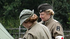 Army Girls. Sept 2018 (Simon W. Photography) Tags: 1940 1940s livinghistory reenactment army britisharmy woman women girl girls lady ladies female females candid fashion style dress people person groupshot crowd couple face faces hat hats cap caps history historic war simonhx100v sonyhx100v hx100v event ruffordabbey nottingham nottinghamshire homefront