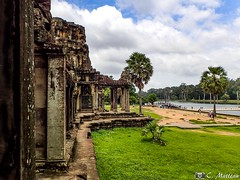 180726-034 Porte d'entrée (clamato39) Tags: angkor angkorwat cambodge cambodia ciel sky clouds nuages bâtiment building asia asie old oldbuilding ancient ancestrale historique historic history religieux religion