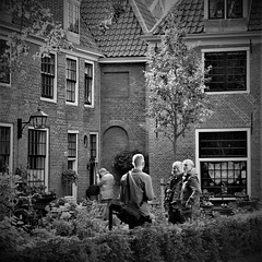 Explored - Saturday morning sunrise on photographers in a courtyard in Haarlem (NL) - Citywalk Kamera Express with  Igobythename (Ivo Kaijser).