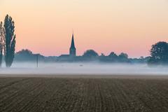 20181011_Albachten_blaue Stunde-17 (JoA Spenrath) Tags: goldenestunde früh morgen sonnenaufgang silhouette dorf kirche nebel dunst blau bunt orange