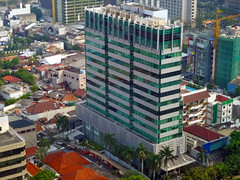 Menara Ravindo (Ya, saya inBaliTimur (leaving)) Tags: building gedung architecture arsitektur office kantor jakarta