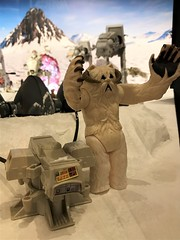 Even the Wampa had it on his toes during The Battle Of Hoth! #MayTheToysBeWithYou, Torquay Museum 19.08.17 (Trevor Bruford) Tags: star wars toy figure exhibition torquay museum maythetoysbewithyou