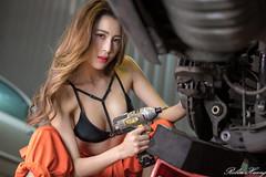 DSC_8669 (Robin Huang 35) Tags: 黃艾比 abbie 修車廠 泳裝 比基尼 bikini 修車服 人像 portrait lady girl nikon d850 車 car