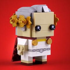BrickHeadz: Roman Emperor (Swan Dutchman) Tags: lego brickheadz roman emperor princessleia