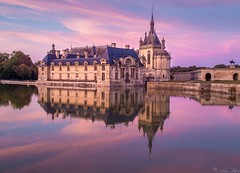 Chantilly castle (Aziz Peps) Tags: castle france french freshness paris parisien medieval chateau reflecting reflection longexposure lowlight nikkor nikonflickraward nikod750 travel trip pinksky sunset