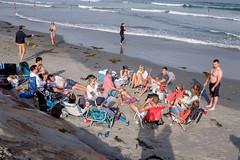 Bud Light the beach (Papaye_verte) Tags: plage ocean friends amis streetphotography océan mer beach sea york maine étatsunis beer bière