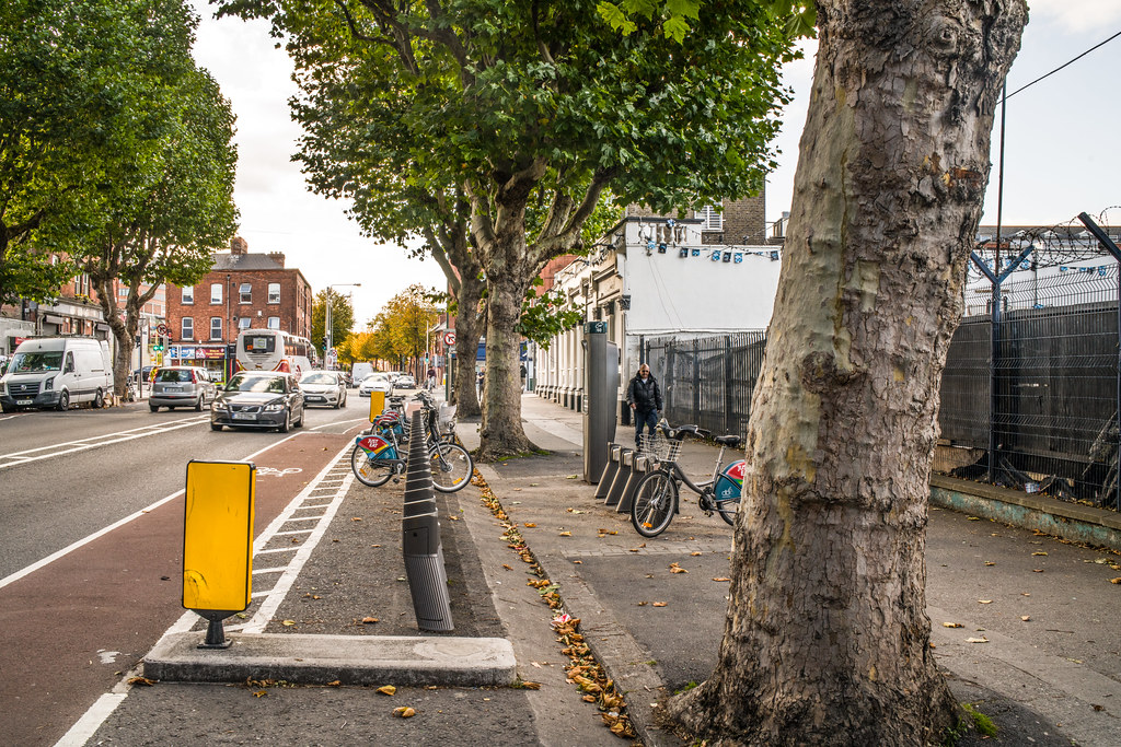 DUBLINBIKES DOCKING STATION 60 [NORTH CIRCULAR ROAD DUBLIN NEAR THE BIG TREE PUB]-144980