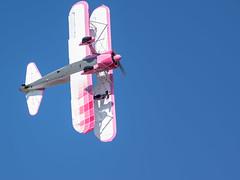 Danielle Wingwalker (Gregouill) Tags: 2018 201809 aircraft airplane avion biplan boeing brume daniellewingwalker desetoilesetdesailes flugzeug meeting mist n450d pt13d septembre stearman