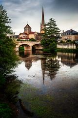 Saint-Savin-sur-Gartempe (Vienne) (Air'L) Tags: eau rivière église pont france abbaye vienne poitoucharentes ngc