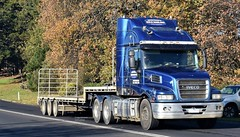 photo by secret squirrel (secret squirrel6) Tags: secretsquirrel6truckphotos craigjohnsontruckphoto australiantrucks bigrigs worldtrucks truckphotos iveco dropdeck empty truck trucking