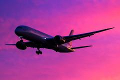 Virgin Atlantic - Boeing 787-9 Dreamliner G-VWHO @ London Heathrow (Shaun Grist) Tags: gvwho vs virgin virginatlantic boeing 787 dreamliner sunrise morning 27r lhr egll london londonheathrow heathrow airport aircraft aviation aeroplanes airline avgeek shaungrist