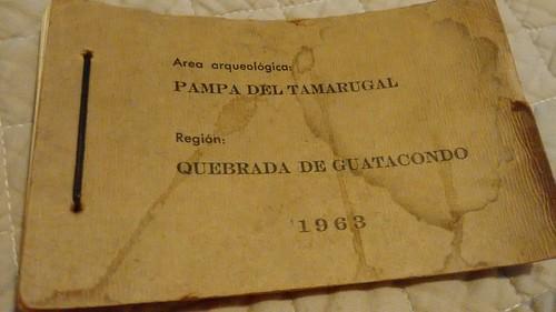 Área arqueológica Pampa del Tamarugal. Región Quebrada de Guatacondo, 1963. Librillo realizado a mano con 10 fotografías en papel fotográfico de Emilio de Bruyne.
