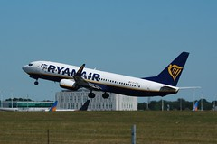 EI-FRG (IndiaEcho Photography) Tags: eifrg boeing 737800 ryanair egss stn london stansted airport airfield civil aircraft aeroplane aviation essex england canon eos 1000d