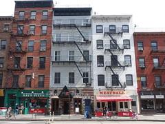 201808049 New York City Chelsea (taigatrommelchen) Tags: 20180833 usa ny newyork newyorkcity nyc manhattan chelsea icon urban city building shop storefront advertising street