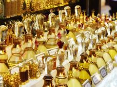 Dubai Souk - oriental parfumes (michaelbeyer_hh) Tags: dubai souk penf